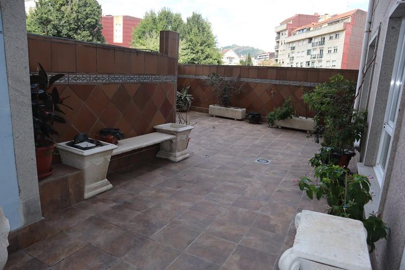 Ponteareas, Piso 3 dormitorios, gran terraza – MV42