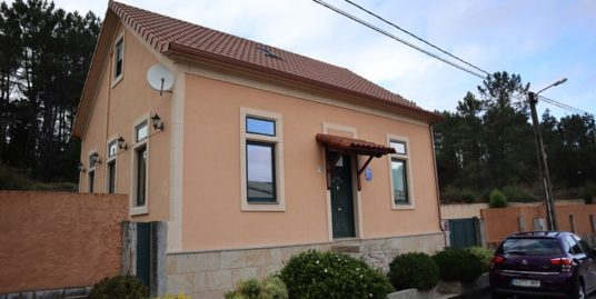 Gran casa en Ponteareas – MV304