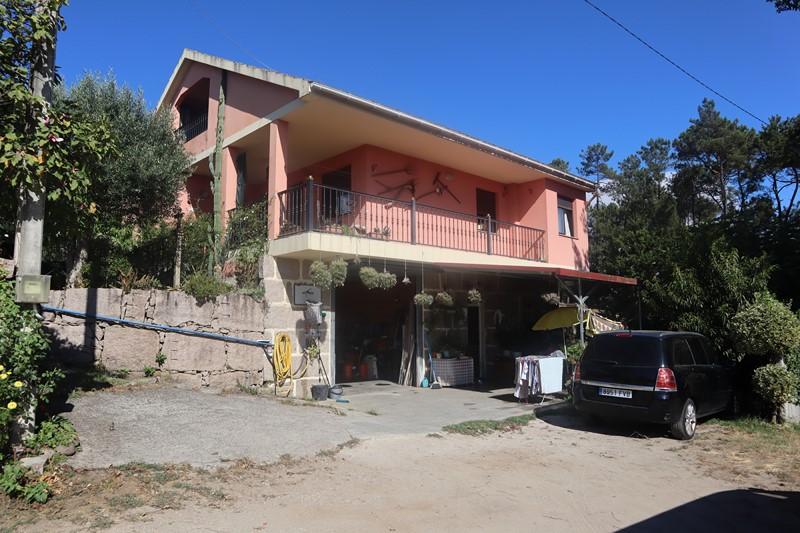 Amplia casa en Cristiñade, Ponteareas – MV268